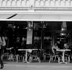 Benny's Bar  Cafe - Townsville Tourism