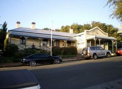 Earl of Spencer Historic Inn - Townsville Tourism