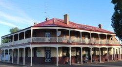 Brookton Club Hotel - Townsville Tourism