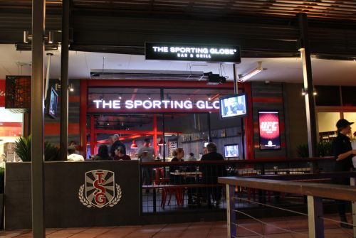 The Sporting Globe Bar amp Grill - Townsville Tourism
