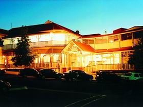 Loxton Community Hotel Motel - Townsville Tourism