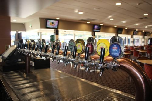Ettalong Memorial Bowling Club - Townsville Tourism