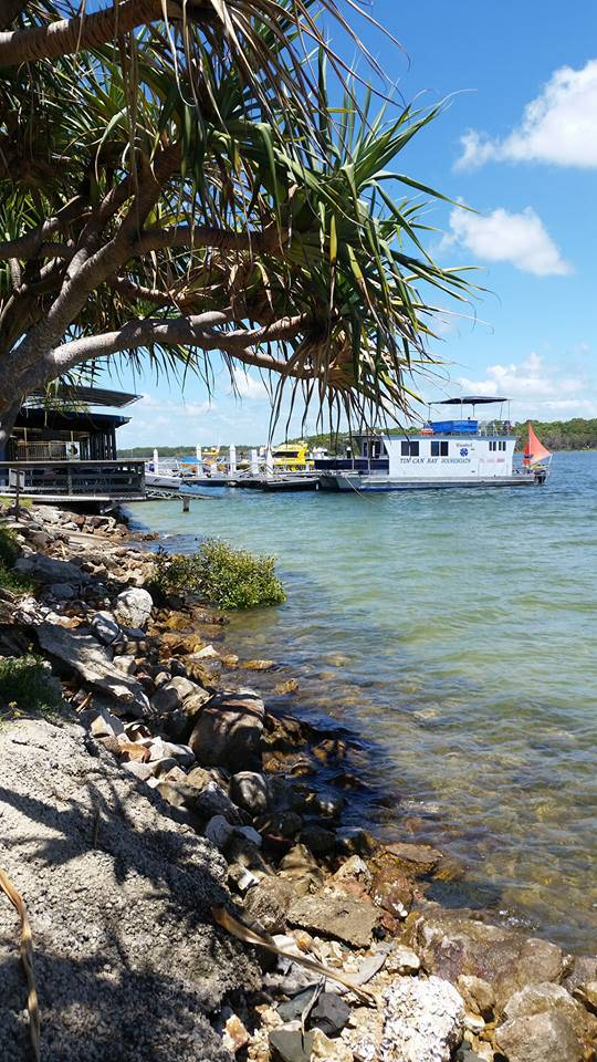 Tin Can Bay Yacht Club Bistro - Townsville Tourism