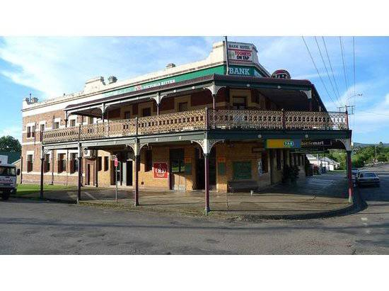 Bank Hotel Dungog - Townsville Tourism