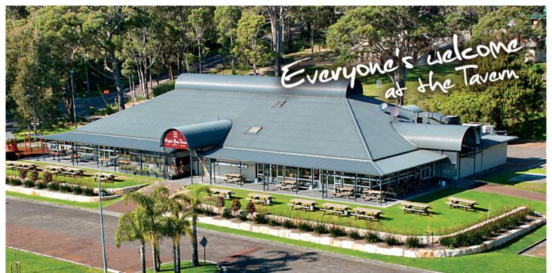 Empire Bay Tavern - Townsville Tourism