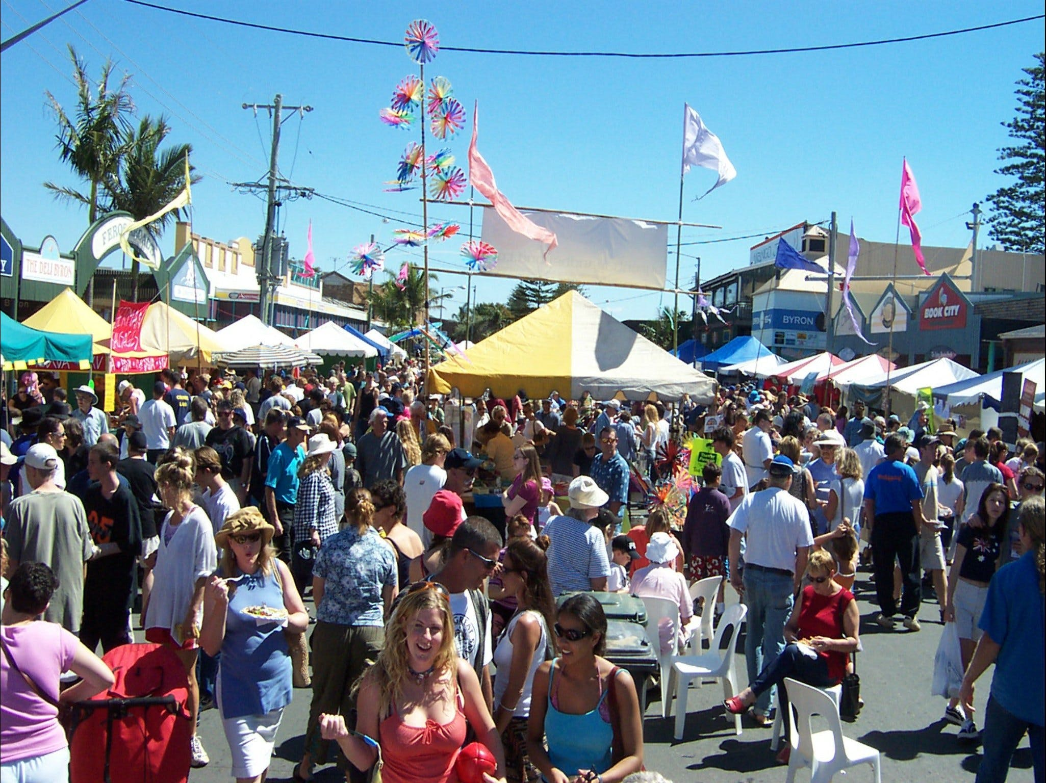 Byron Bay Community Market - Townsville Tourism
