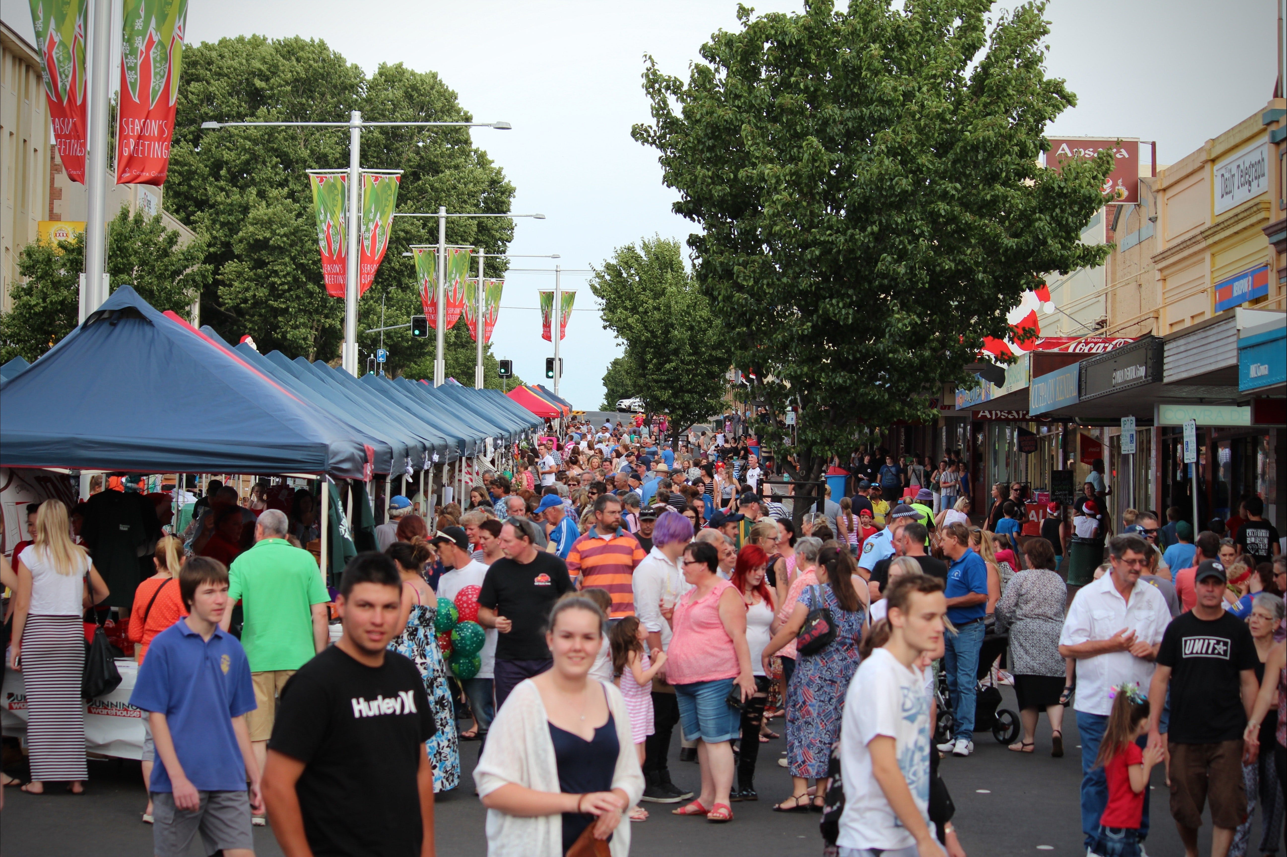 Cowra Christmas Street Festival - Townsville Tourism