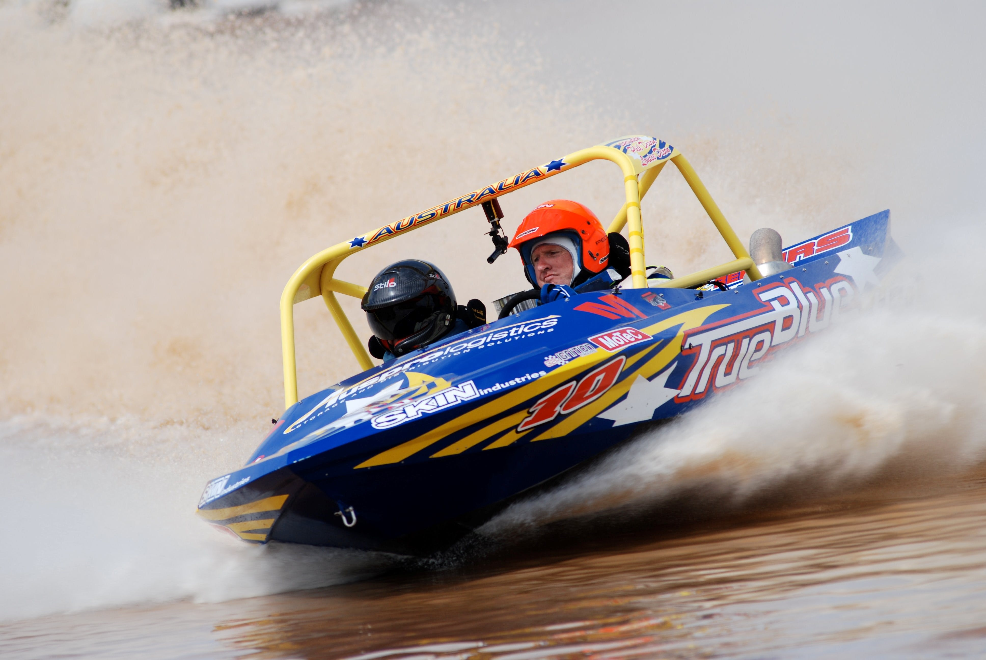 V8 Superboats - Townsville Tourism