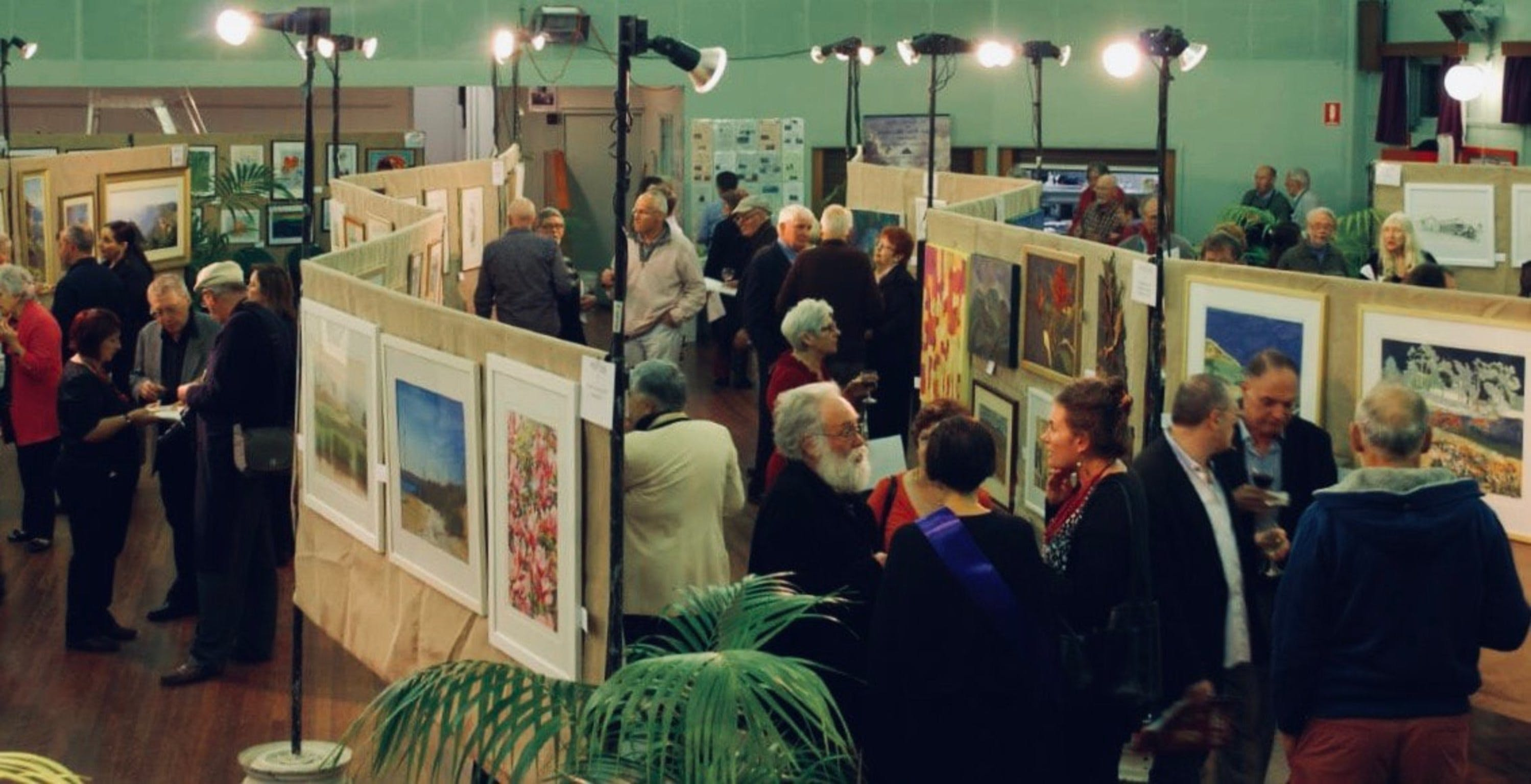Blackheath Rhododendron Art Show - Townsville Tourism