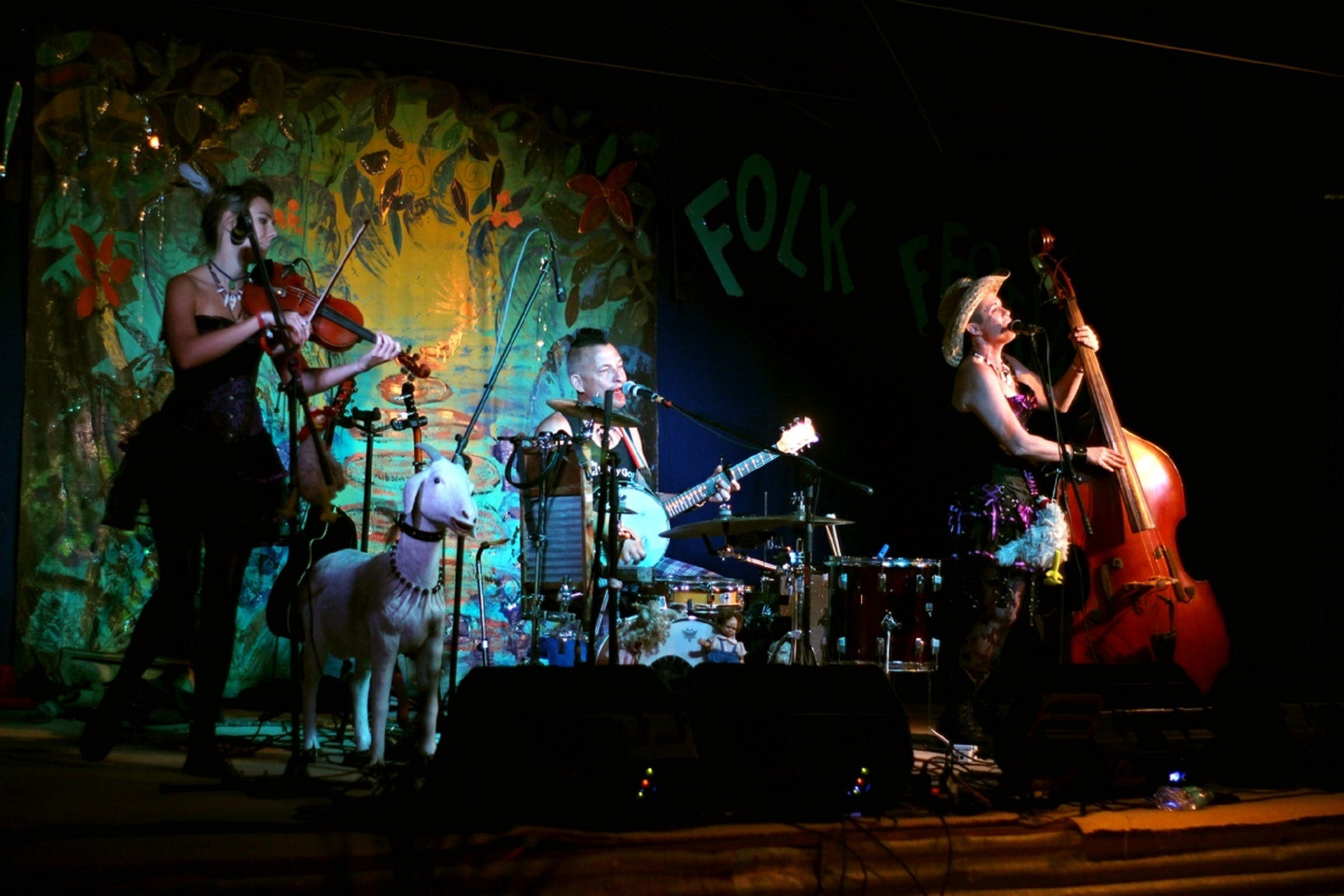 Bony Mountain Folk Festival - Townsville Tourism