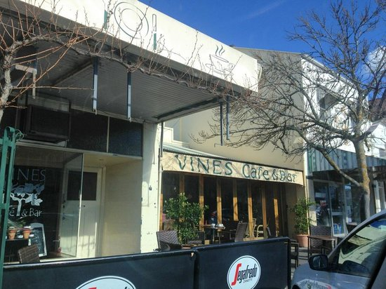 Vines Cafe  Bar - Townsville Tourism