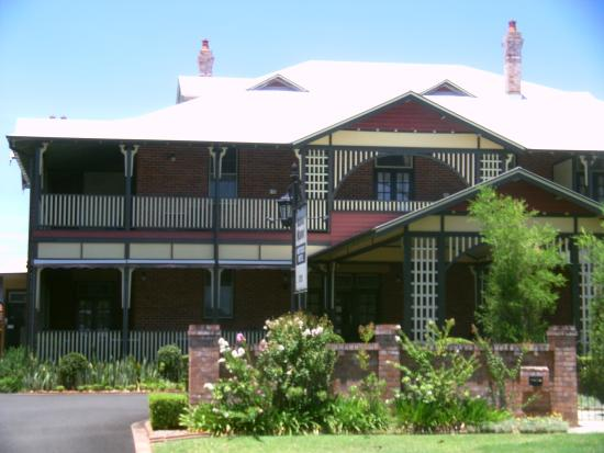 Ballina Manor - Townsville Tourism