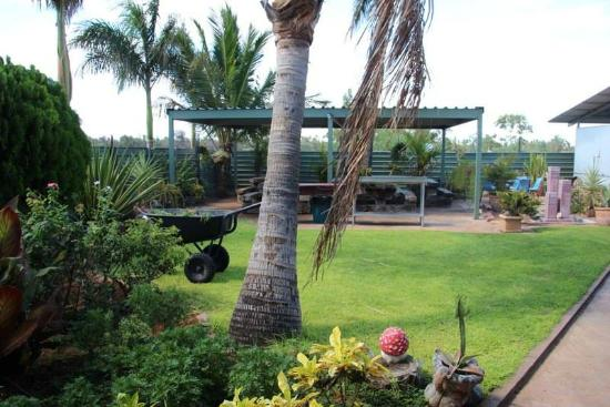 Devils Marbles Hotel - Townsville Tourism