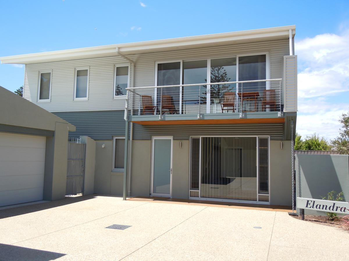 Elandra Holiday Home - Townsville Tourism