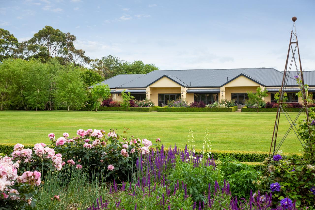 The Barn Accommodation - Townsville Tourism
