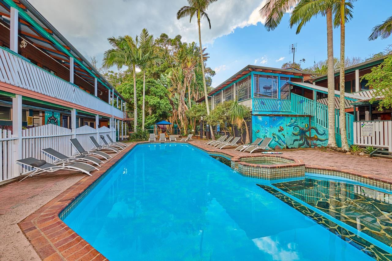 Arts Factory Lodge - Townsville Tourism