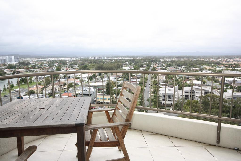 Broadwater Shores Waterfront Apartments - Townsville Tourism